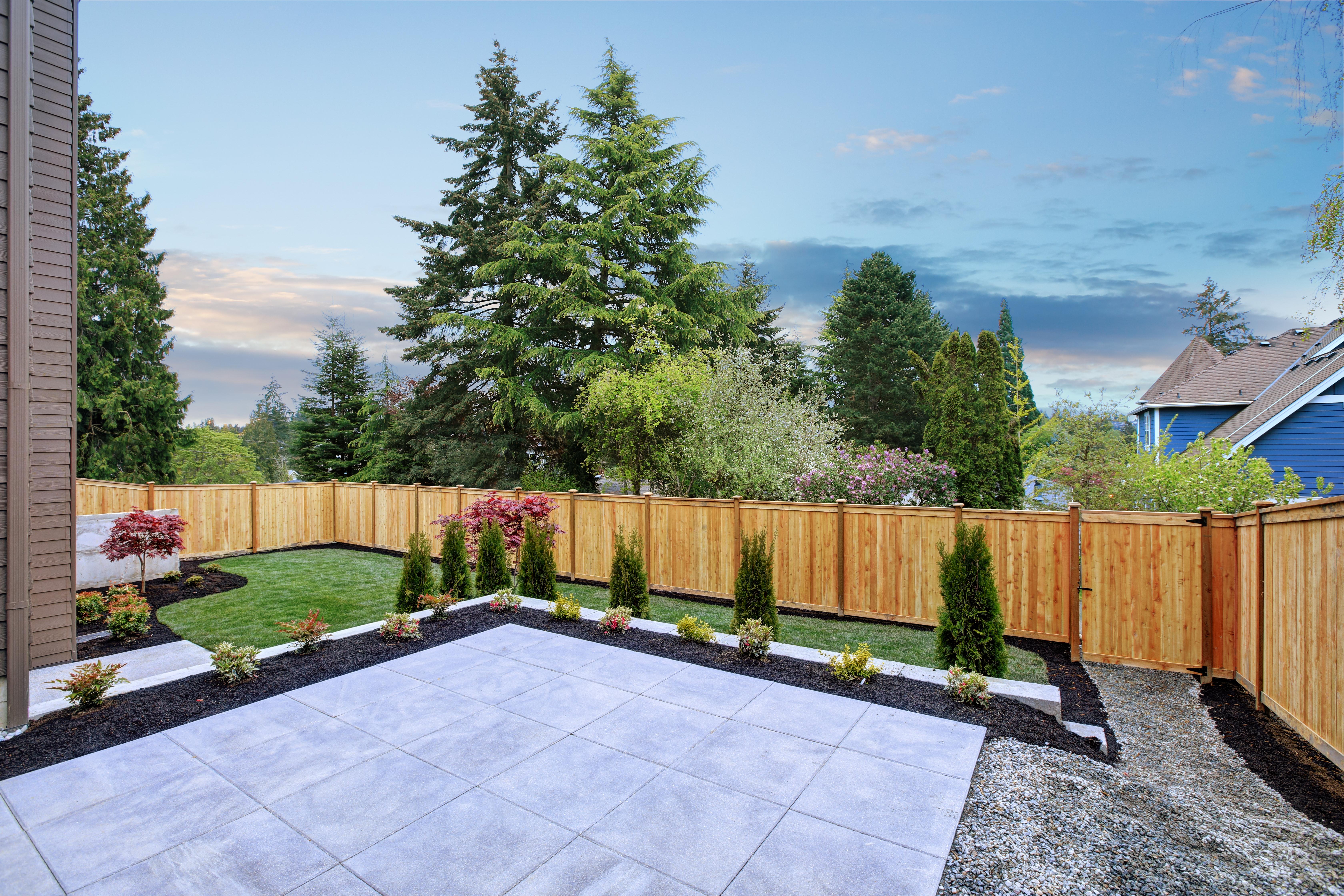 Terrasse aménagée avec de la pierre naturelle